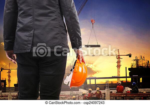 predios, capacete, co, trabalhando, engenharia, segurança, segurando, homem - csp24097243