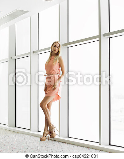 predios, elegante, janela, mulher, escritório - csp64321031