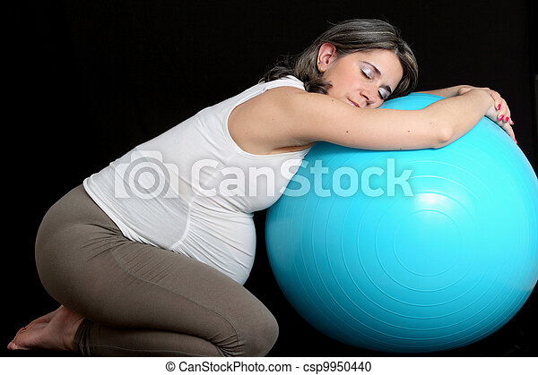 Pregnant woman and gym ball - csp9950440