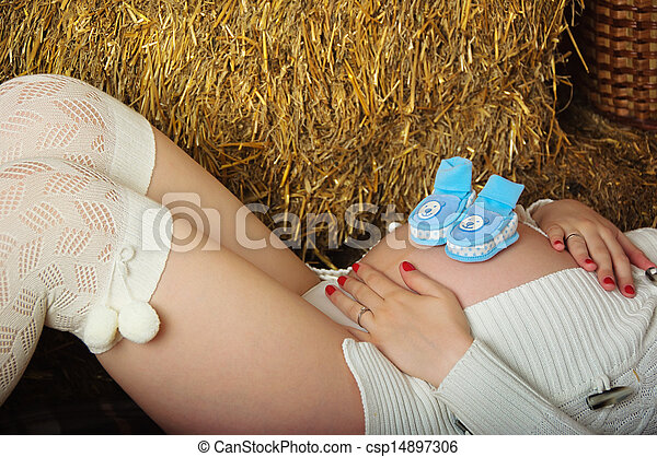 Pregnant young woman - csp14897306