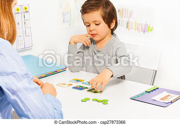 preschooler, garçon, jeu, carte, développer - csp27873366