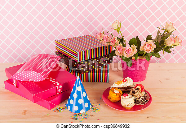 Stupendous Presents Flowers And Birthday Cakes Birthday Presents Flowers And Funny Birthday Cards Online Sheoxdamsfinfo