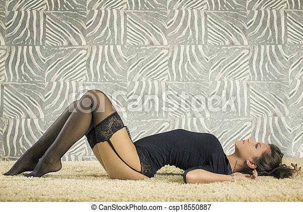 pretas, mulher bonita - csp18550887