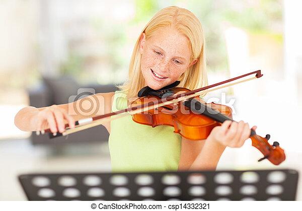 Chica adolescente practicando violín en casa - csp14332321