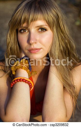 Pretty blond woman - csp3209832