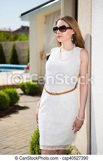 Pretty blond woman - csp40527390
