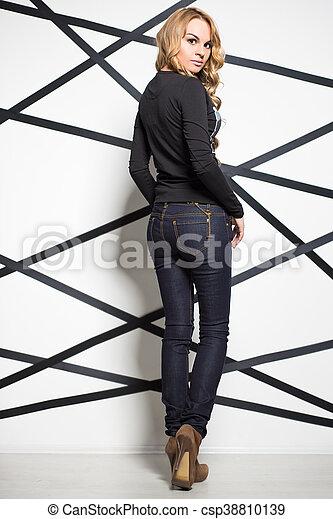 Pretty blond woman - csp38810139