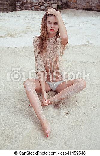 Has andie macdowell ever been nude