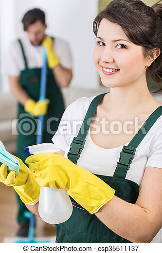 Pretty housekeeping woman ready to clean - csp35511137
