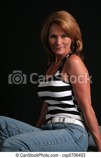 Pretty mature women pics