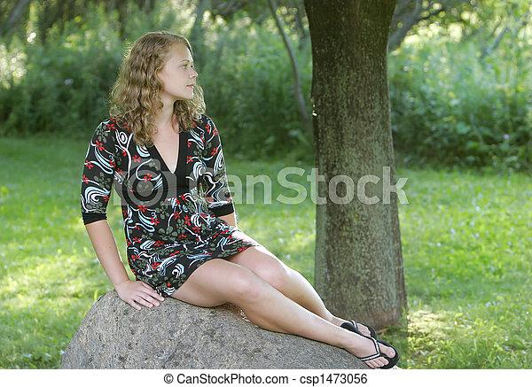 Cumming in her blonde teen pussu