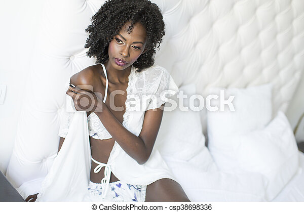 Pretty young african american woman - csp38698336