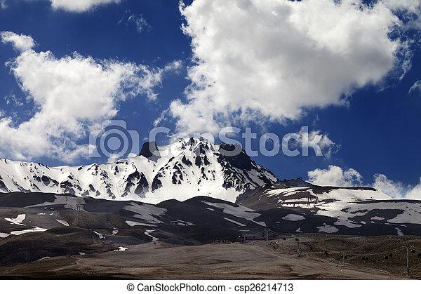 primavera, refúgio esqui - csp26214713