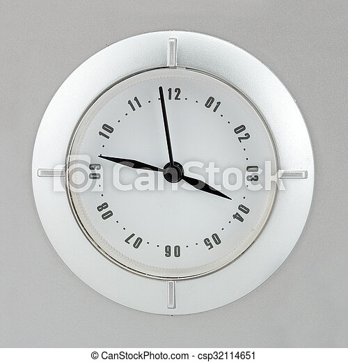 Vista de cerca del reloj - csp32114651
