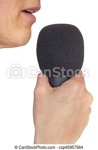 Un primer plano de boca y micrófono femenino en blanco, vista lateral - csp45957564