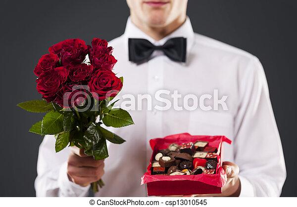 Primer plano de regalo de amante - csp13010545