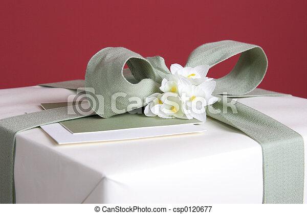 primer plano, regalo - csp0120677