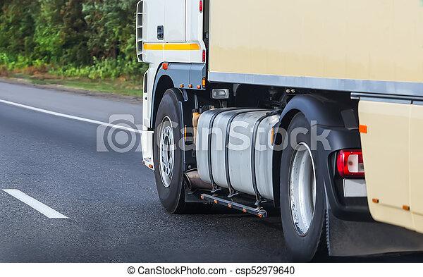 primo piano, camion, autostrada - csp52979640