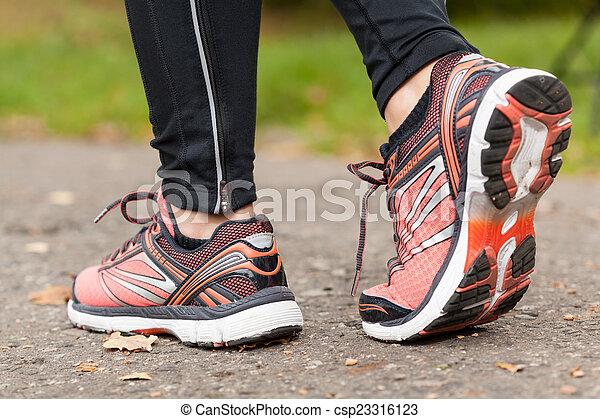 primo piano, scarpe - csp23316123
