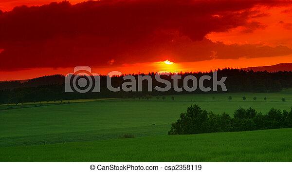 printemps, coucher soleil - csp2358119