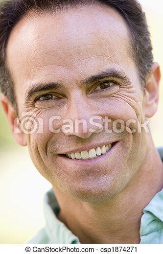 prise vue tête, homme souriant - csp1874271
