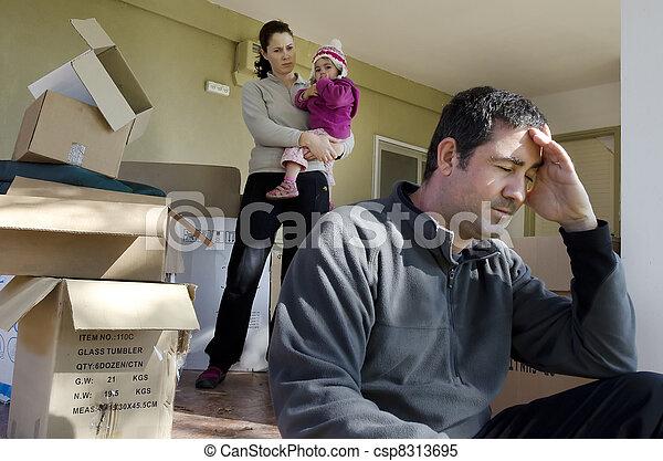 Problemas familiares, sin hogar - csp8313695