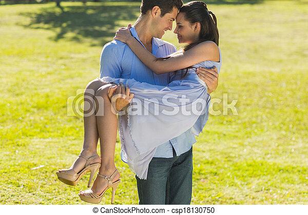 proceso de llevar, mujer, parque, hombre - csp18130750