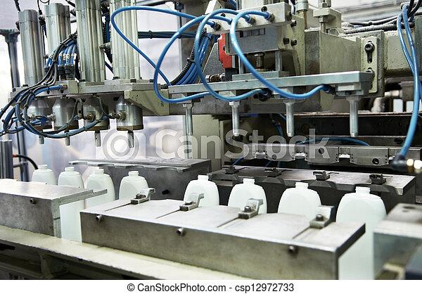 prodoction, manifatturiero, bottiglie, plastica - csp12972733
