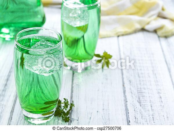proeven, koude drank, woodruff - csp27500706