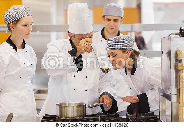 profesor, saboreo, estudiante, sopa - csp11168426