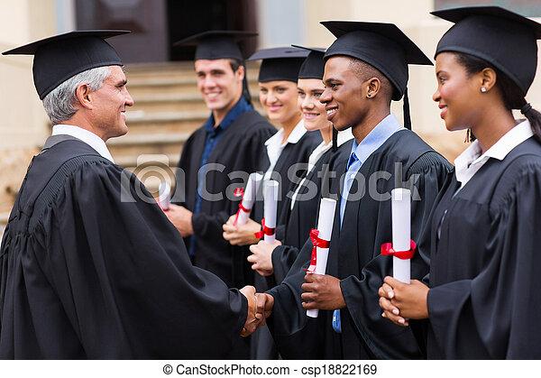profesor, uzgadnianie, absolwenci - csp18822169