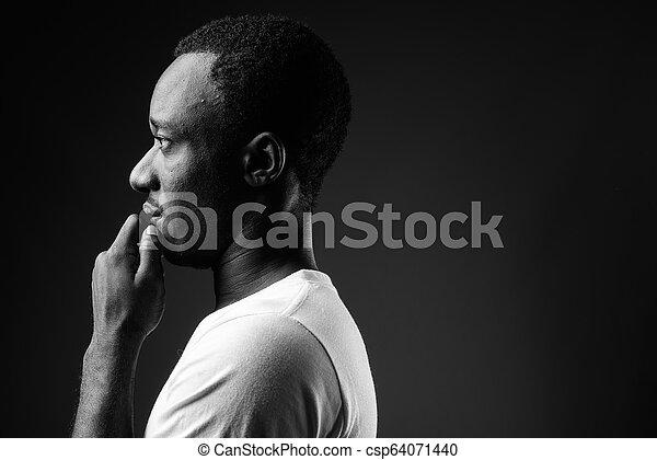 profil, pensée, jeune, noir, africaine, portrait, blanc, vue, homme - csp64071440