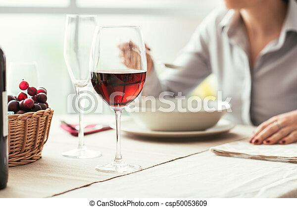 provando, vinho, restaurante - csp50053609
