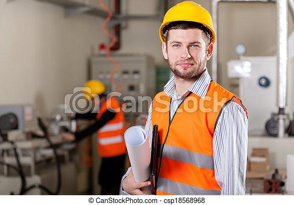 Director de proyecto en el área de producción - csp18568968