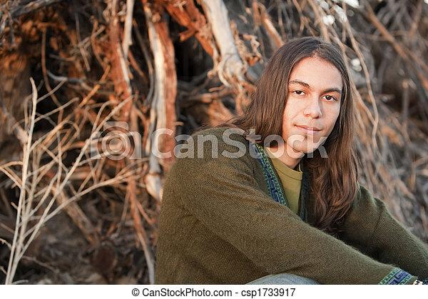 przystojny, młody mężczyzna - csp1733917
