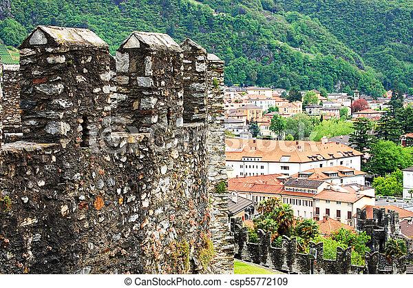 La vista de la vieja ciudad de Berna - csp55772109