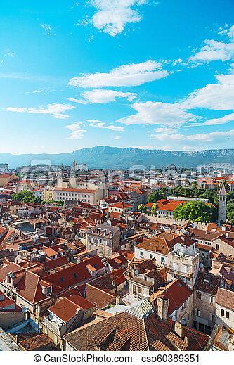 Vista al viejo pueblo de Split, Croacia. - csp60389351