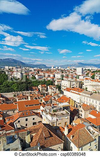 Vista al viejo pueblo de Split, Croacia. - csp60389348