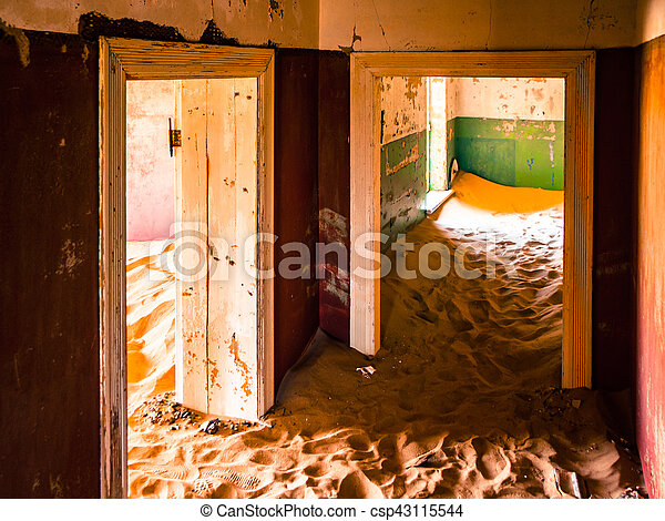 pueblo fantasma, abandonado, dunas, casa, kolmanskop, arena, namibia - csp43115544