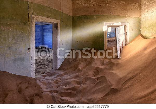pueblo fantasma, lleno, kolmanskop, abandonado, casa, arena, namibia - csp52217779