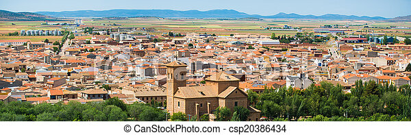Vista de un pueblo pequeño - csp20386434