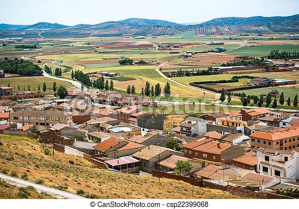 Vista de un pueblo pequeño - csp22399068