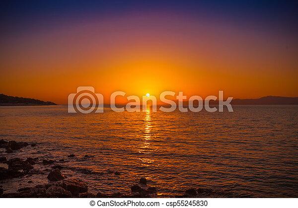 Vista al atardecer en un puerto de Posira, Croacia - csp55245830