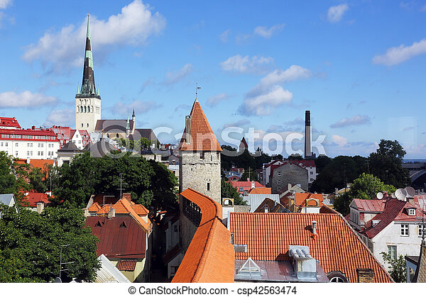 La vieja ciudad de Tallinn - csp42563474