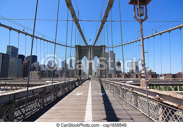 El puente de Brooklyn - csp1658849