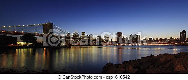 El panorama del puente de Brooklyn - csp1610542