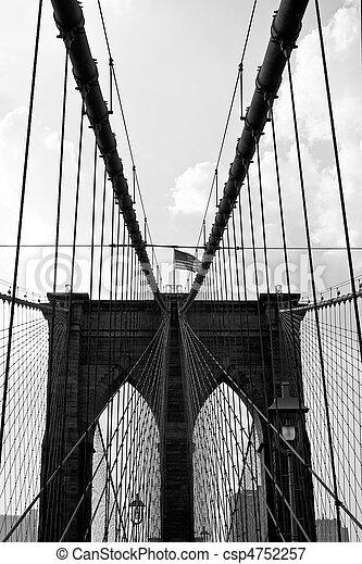 Puertas del puente de Brooklyn - csp4752257