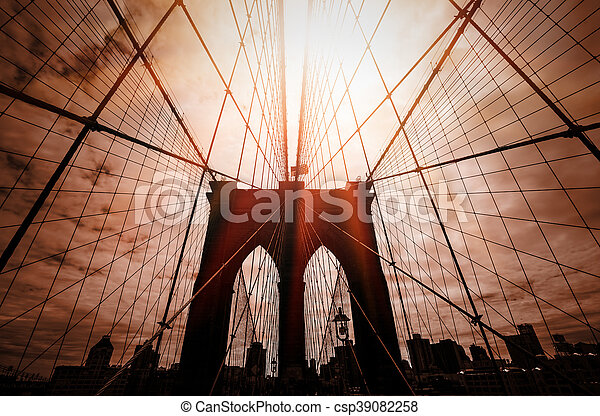 Silueta del puente de Brooklyn - csp39082258