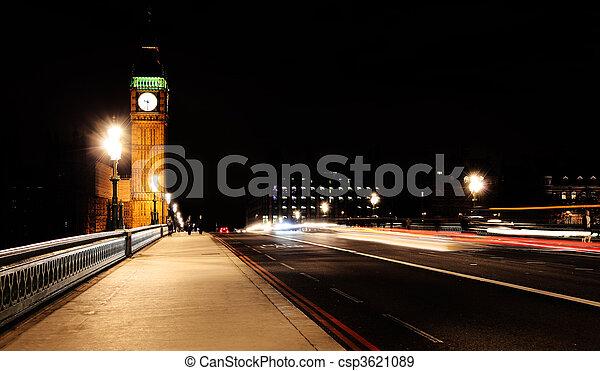 Puente Westminster en Londres por la noche - csp3621089
