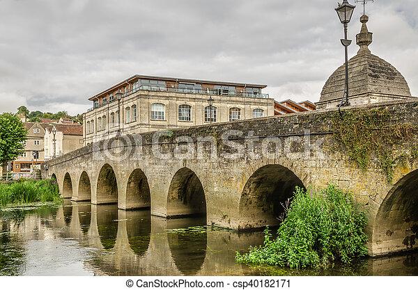 Puente sobre el río, Bradford-on-avon, Wiltshire, Inglaterra - csp40182171